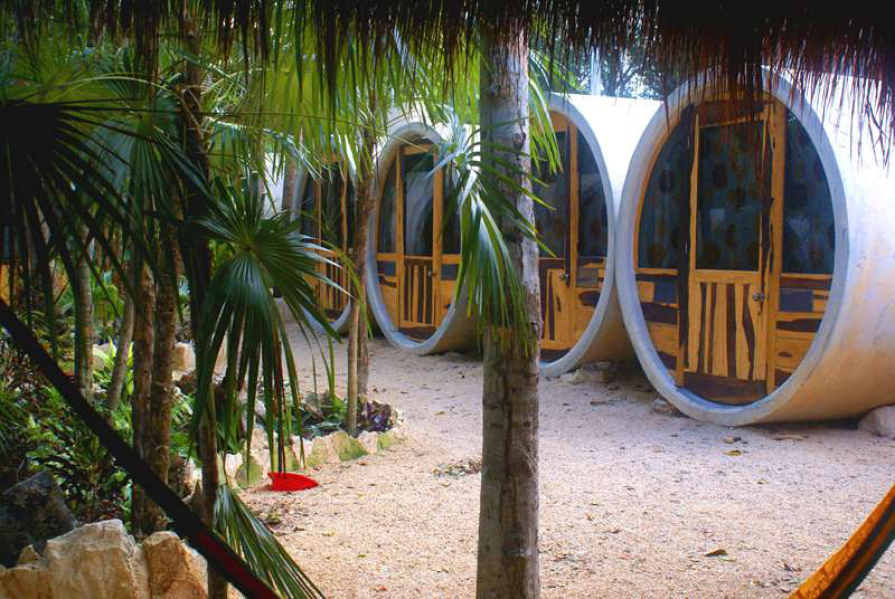 En Tulum primer hotel tubo del país